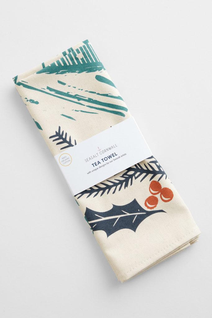 Fox in the snow by Matt Johnson for Seasalt Cornwall. 100% organic cotton teatowel printed in Cornwall.